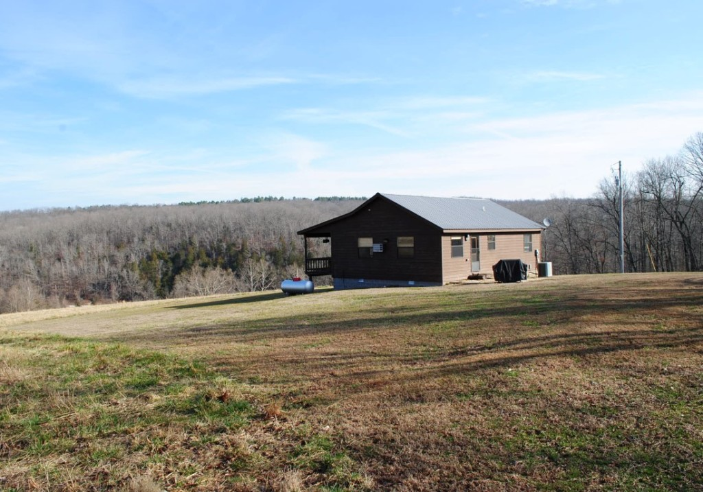 Onia Farm Place 336 Acres Stone County